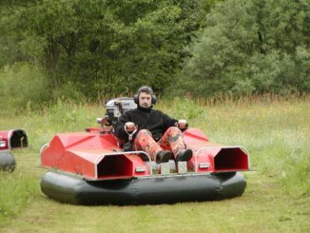 Theme_Park_hovercraft_air_cushion_vehicle.jpg